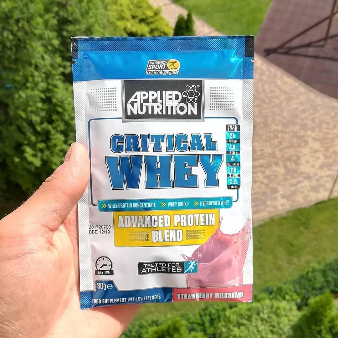 Applied Nutrition Critical Whey – smak strawberry milkshake