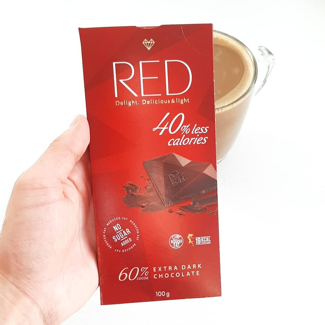 RED Extra Dark Chocolate – zawiera 60% kakao!